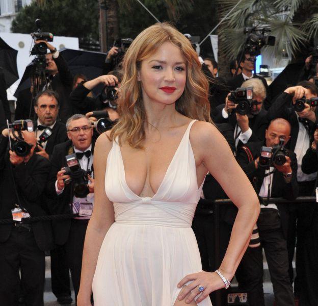 Virginie Efira faisait une apparition divine lors de l'édition 2012 du Festival de Cannes.