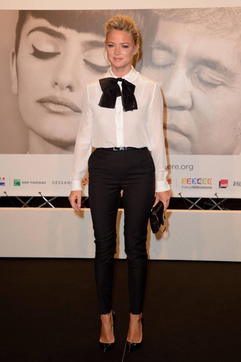 Virginie Efira et le look preppy au FestivalLumières, à Lyon, en 2014.