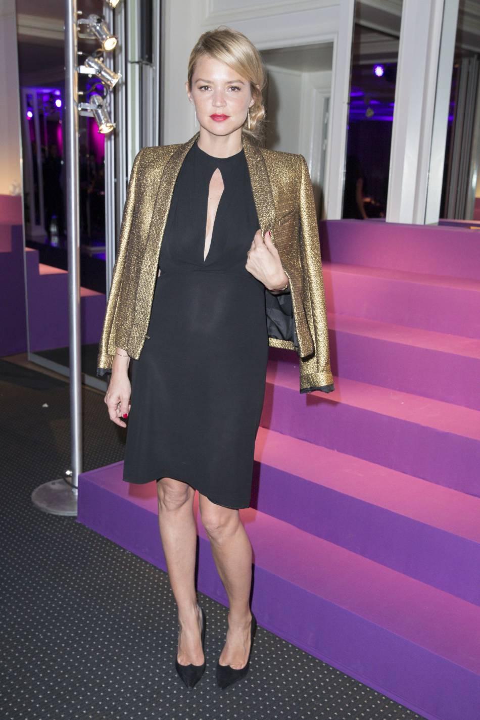 Virginie Efira et la veste dorée chic et audacieuse en 2014.