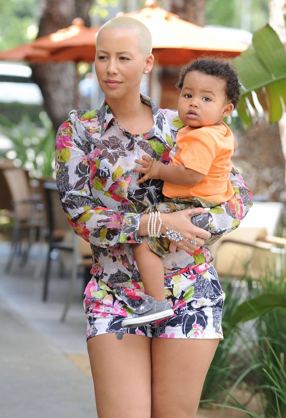 Amber Rose est une maman sexy, et alors ?