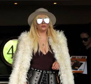 Nicole Richie sort de son appartement new-yorkais ce samedi 7 mai 2016.