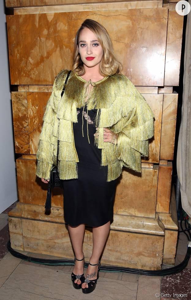 La star de Girls Jemima Kirke a un style bien à elle sur le red carpet.