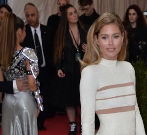 Doutzen Kroes présente au Festival de Cannes.