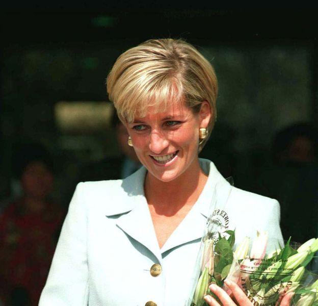 Lady Diana est enterrée dans le parc du château d'Althorp, une propriété de sa famille, les Spencer.