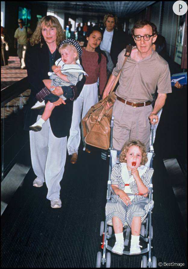 L'histoire de cinéma et d'amour entre Mia Farrow et Woody Allen démarre en 1982 et s'achève en 1993.