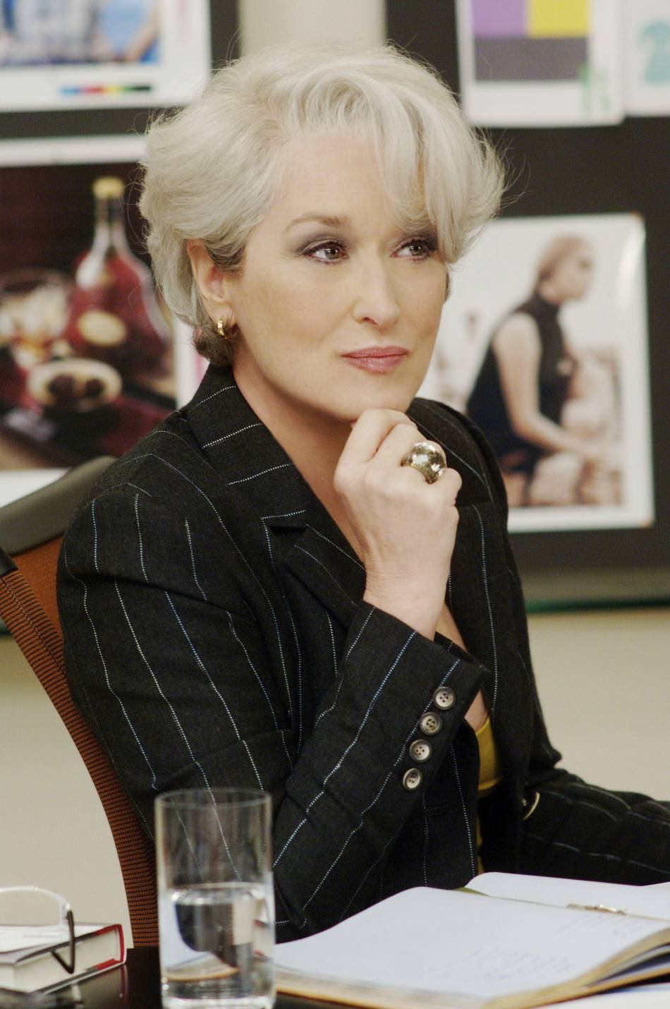 "Meryl Streep porte des bijoux Swarovski dans ""Le diable s'habille en Prada"" en 2006."