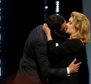 Leur baiser a conquis les spectateurs ainsi que les internautes.