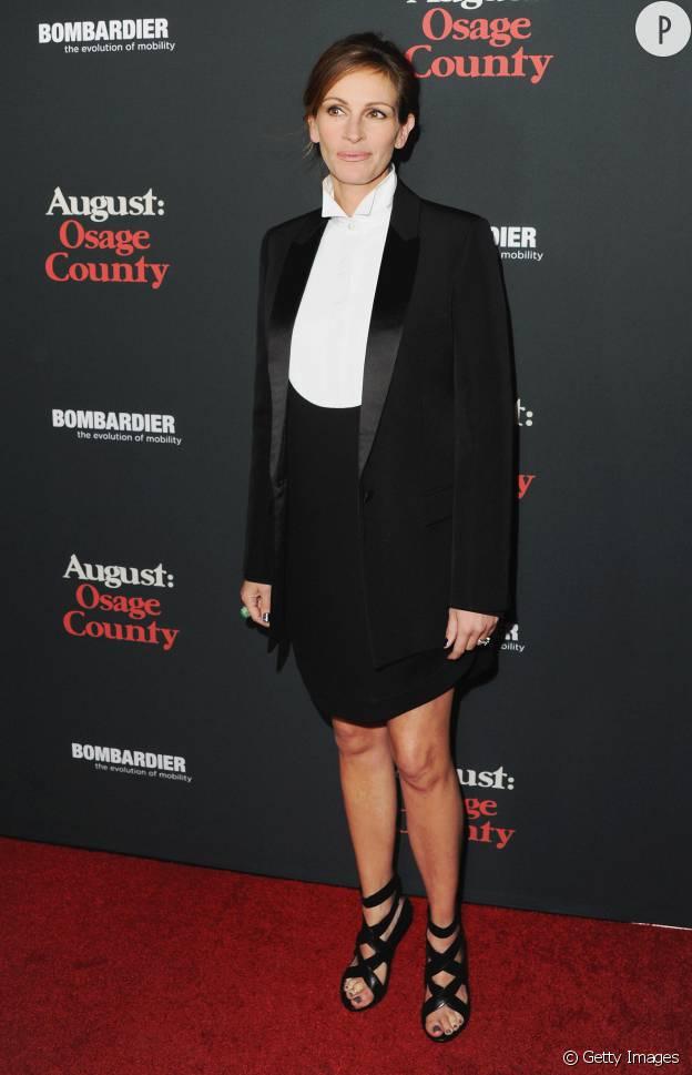 """Julia Roberts en Givenchy à la première californienne d'""""Un été à Osage County"""" en 2013."""