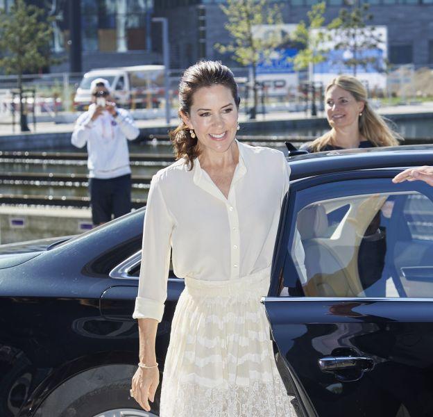 Mary de Danemark, sublime marraine du Sommet de la mode de Copenhague, le 12 mai 2016.