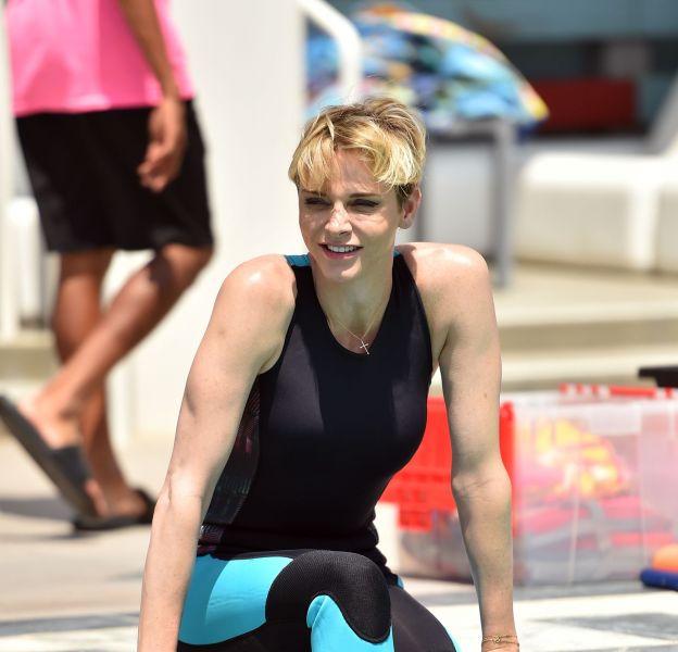 Charlène de Monaco, rayonnante car dans son élément, dans une piscine de Santa Monica en Californie.