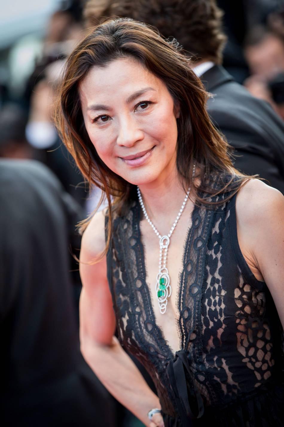 Michelle Yeoh parée par Chaumet.