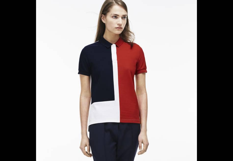 Polo tricolore Lacoste, 145€.