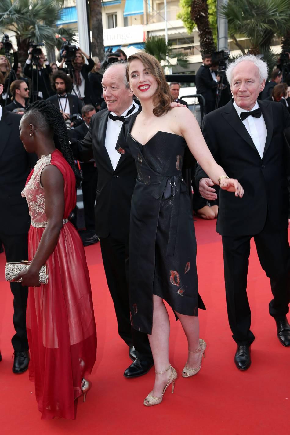 """Mercredi 18 mai, c'est le casting du film """"La fille inconnue qui a monté les marches"""" : Nadège Ouedraogo, Luc Dardenne, Adèle Haenel, Jean-Pierre Dardenne."""