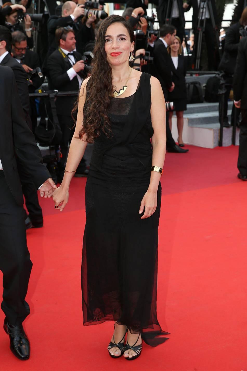 """La chanteuse Yael Naim était elle aussi sur la Croisette pour la montée des marches du film """"La fille inconnue""""."""