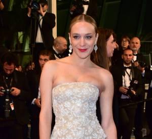 Chloë Sevigny donne de la singularité à des pièces classiques, comme lors de ce Festival de Cannes 2016.