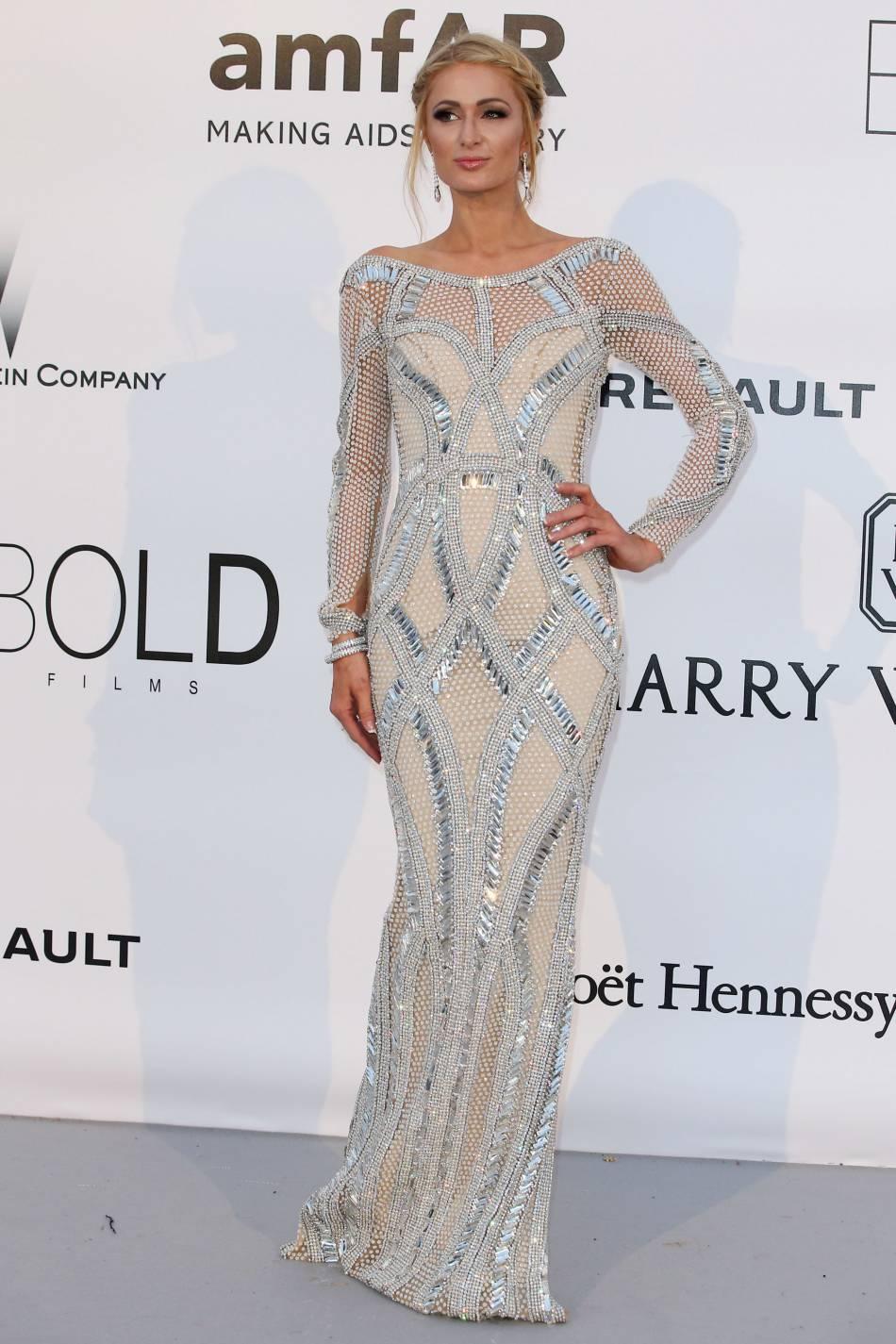 Paris Hilton en Yousef Al Jasmi au gala de l'amfAR Cinema against AIDS le 19 mai 2016 à Cannes.