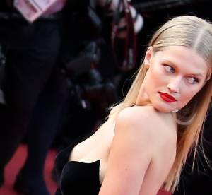 Raie au milieu et cheveux plaqués : la coiffure tendance de Cannes 2016