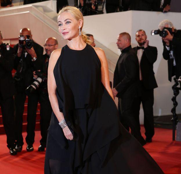 """Emmanuelle Béart a Cannes pour la montée des marches de """"Juste la fin du monde""""."""