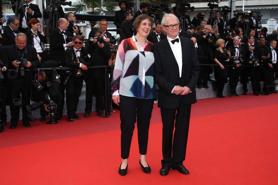 Ken Loach, gagnant de la Palme d'or, lors de son arrivée au Palais des Festivals pour la cérémonie de clôture et la remise des prix du 69e Festival de Cannes.