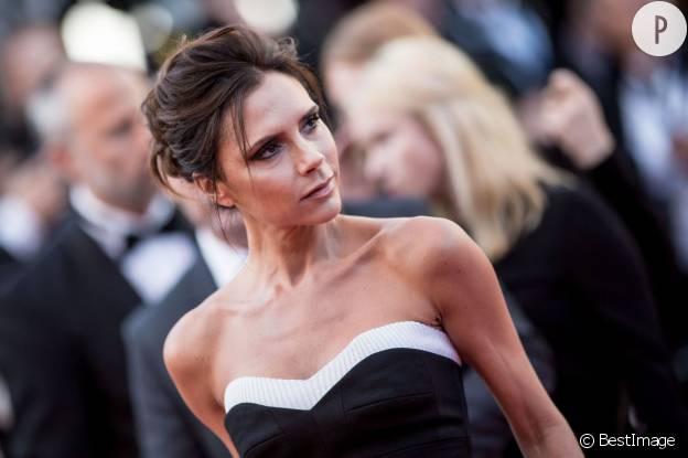 Reine du smoky, Victoria ne change pas ses habitudes sur le tapis rouge de Cannes.