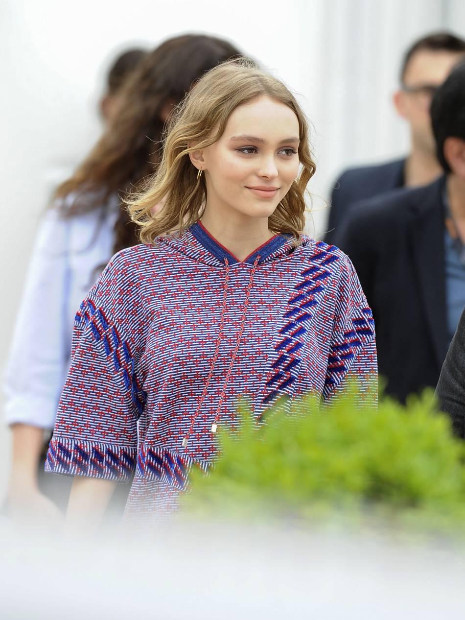 Pendant le Festival de Cannes, Lily-Rose Depp a démontré qu'au naturel ou sur les marches, elle était toujours au top.