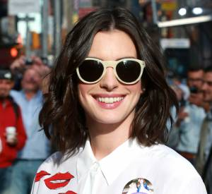 "Dans le film ""Alice Through The Looking Glass"", Anne Hathaway incarne la Reine Blanche."