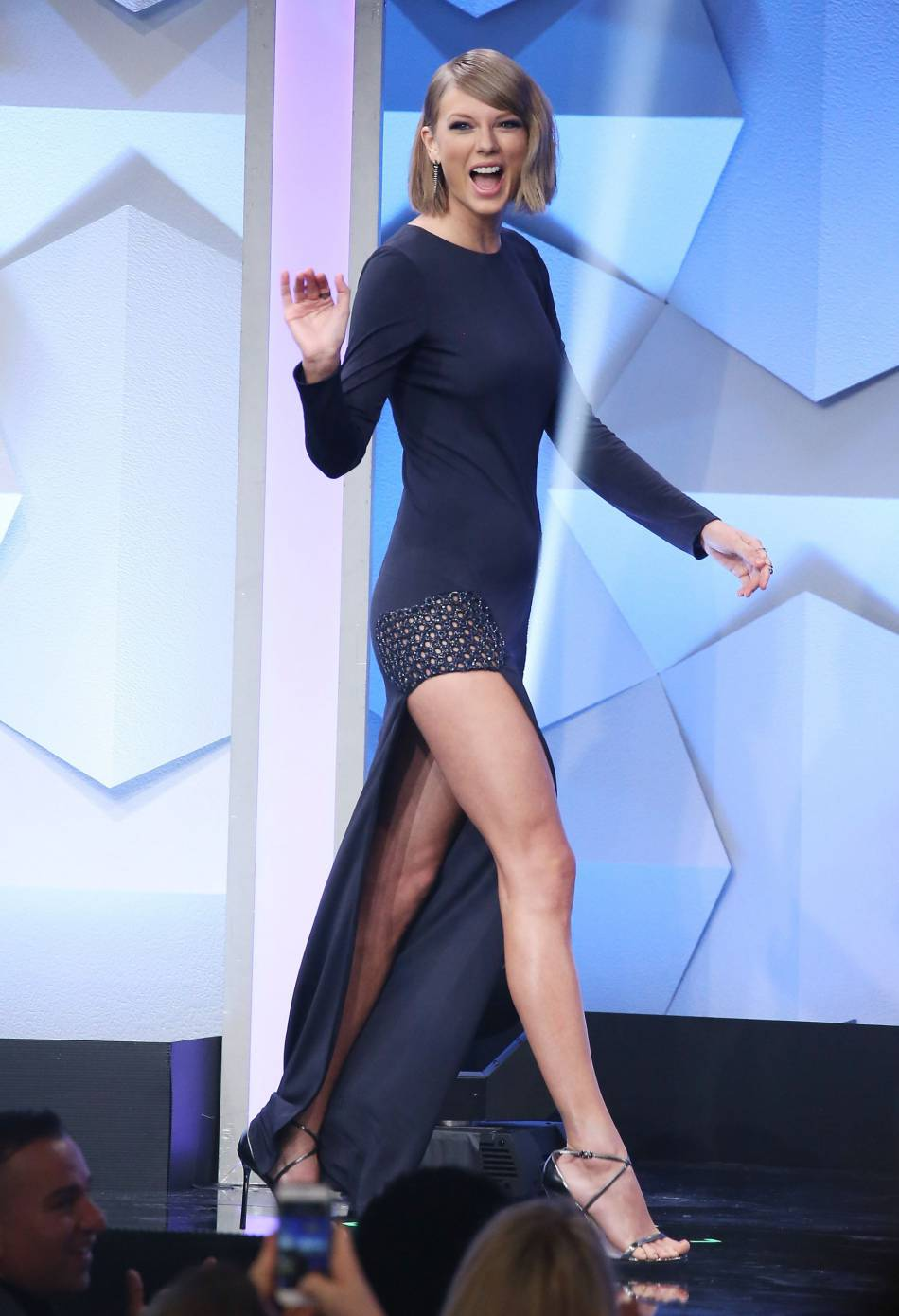 Encore une jolie apparition en Haney pour Taylor Swift qui prouve qu'elle adore la styliste et la marque.