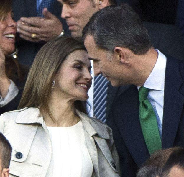 Le roi et la reine d'Espagne n'ont pas hésité à échanger des gestes tendres et des regards plein d'amour.