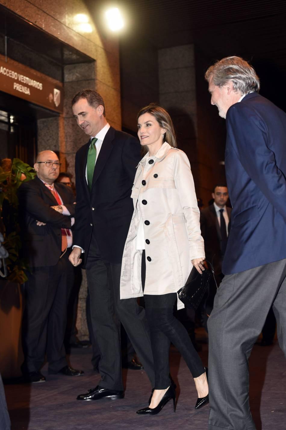 Le roi et la reine d'Espagne ont célébré leur anniversaire de mariage au stade de foot de Madrid.