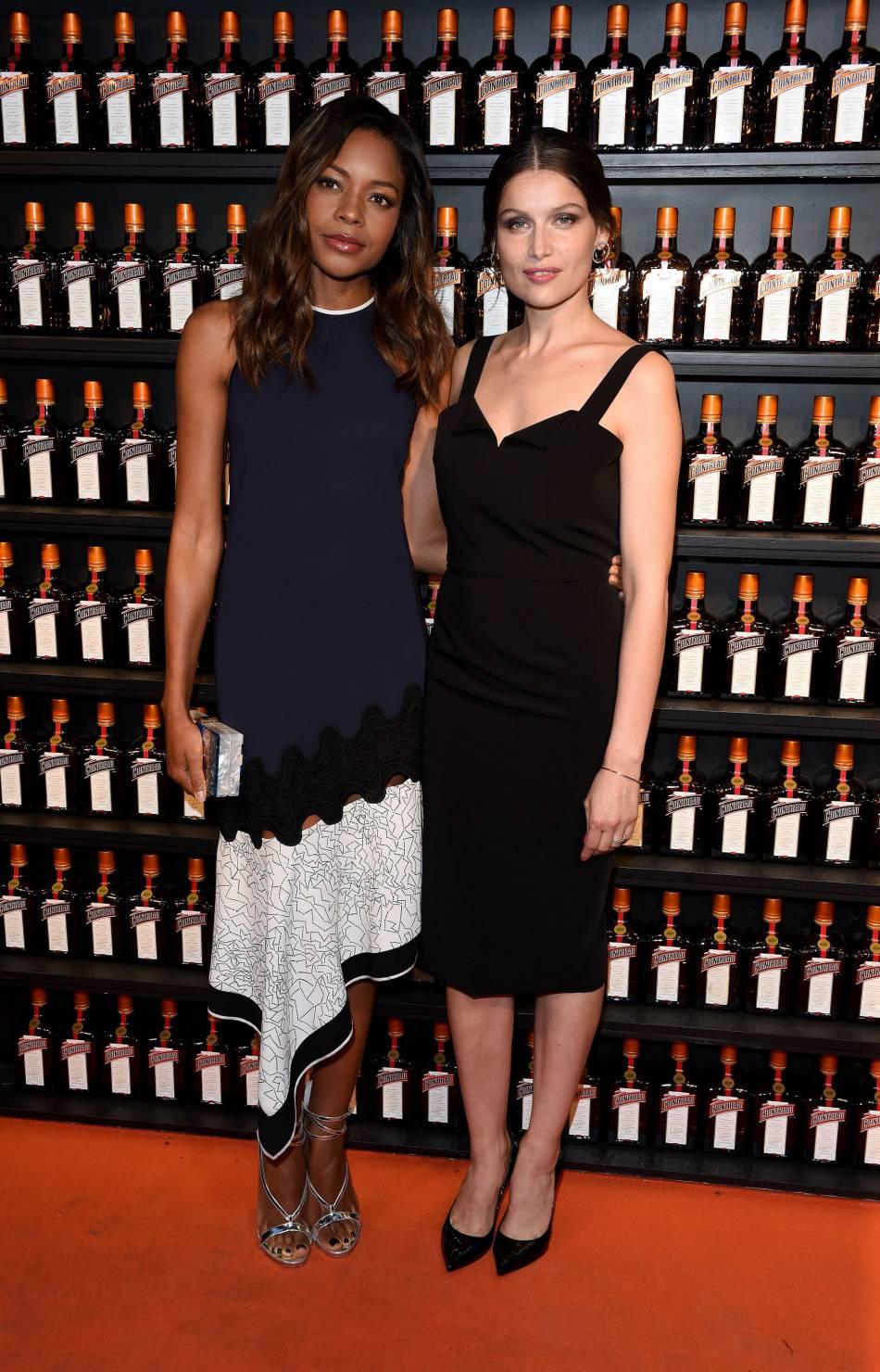 Naomie Harris et Laetitia Casta à la soirée Cointreau Creative Crew Awards à Londres, le 24 mai 2016.