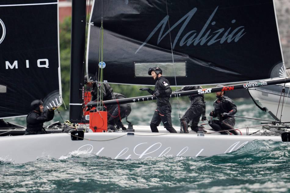 """Pierre Casiraghi participe au """"GC32 Racing Tour"""" avec le voilier Malizia à Riva del Garda en Italie, le 25 mai 2016."""