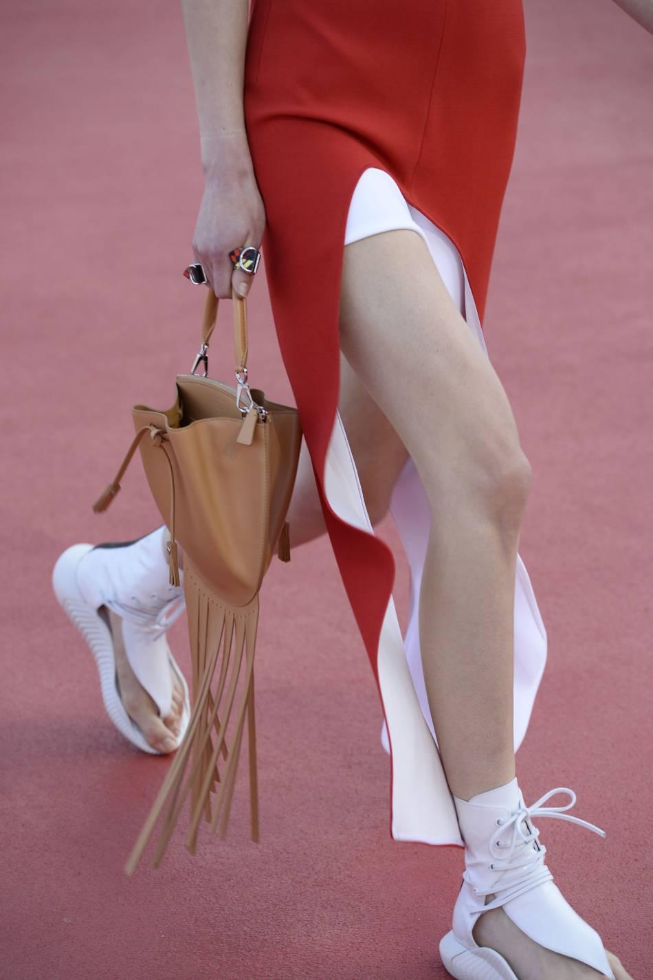 La frange est reine sur ces nouveaux sacs Vuitton.