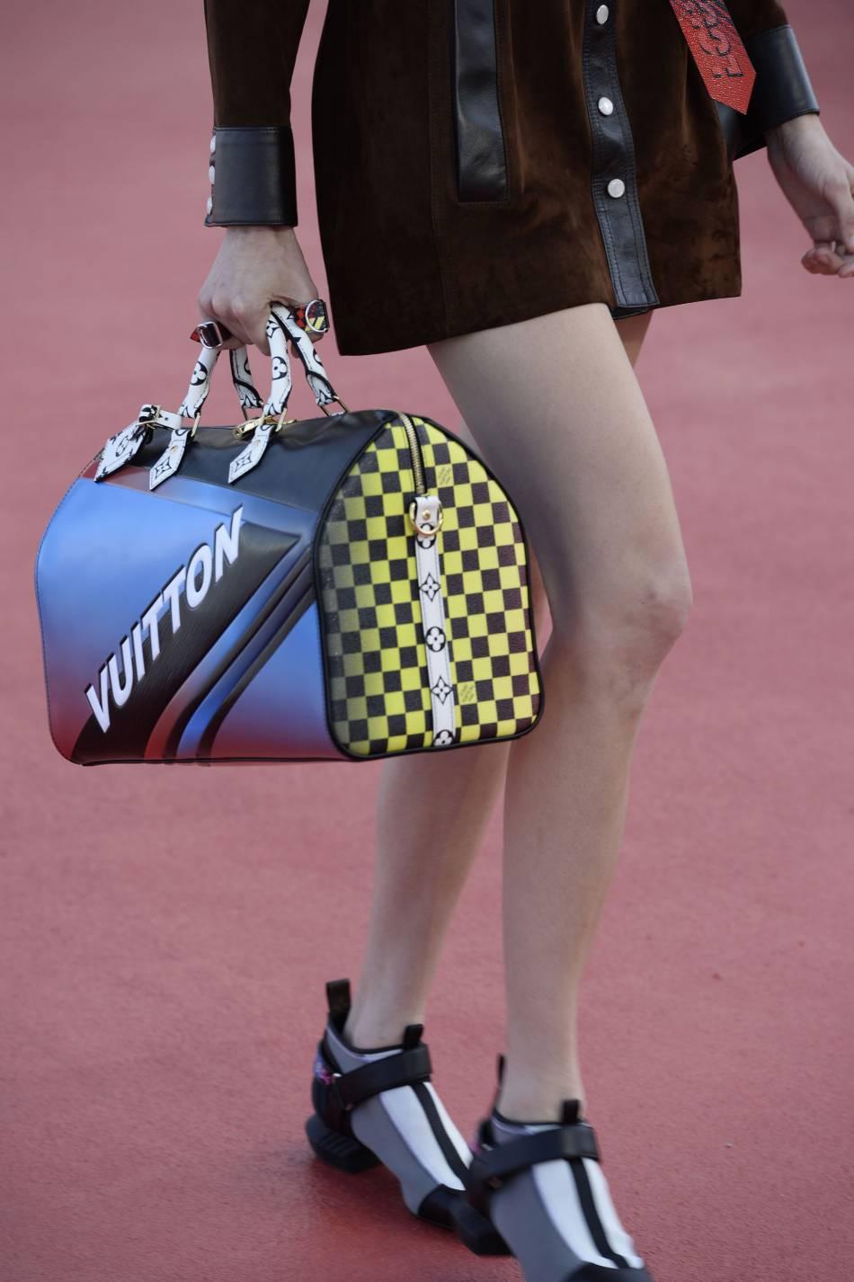 """Un sac très """"Formule 1"""" pour rendre hommage a Ayrton Senna."""