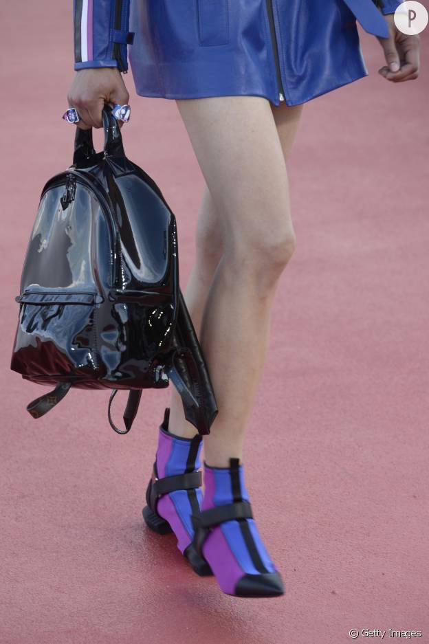 Les boots plates et tricolores de Vuitton nous font de l'oeil.