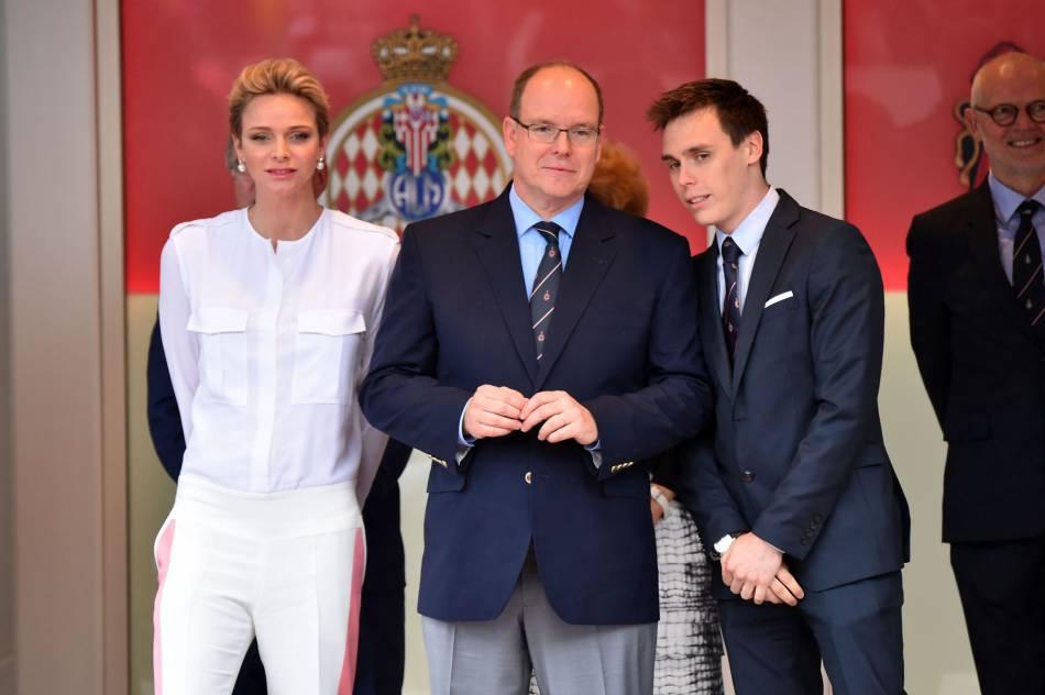 Charlène de Monaco, avec Albert et Louis, au Grand Prix de F1 à Monaco, le 29 mai 2016.