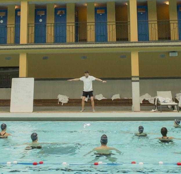 Des élèves attentives pour le cours d'Aqua-Crossfit à Molitor.