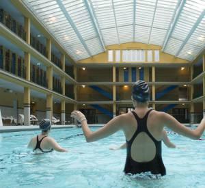Jeu de trampoline pendant le cours d'Aqua-Crossfit.