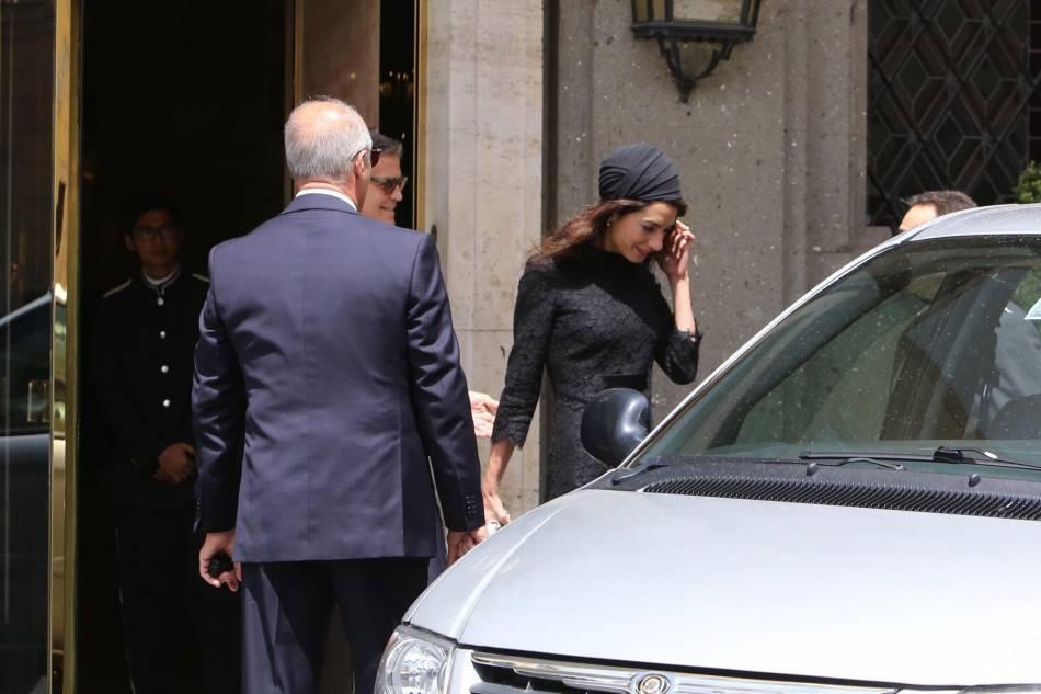 Après avoir fait des étincelles à Cannes, le couple Clooney maintient le cap au sud et passe un peu de temps à Rome.