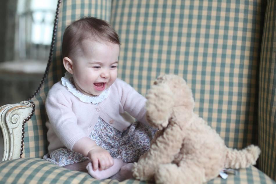 Kate Middleton et le prince William sont enchantés à l'idée d'emmener Charlotte avec eux.