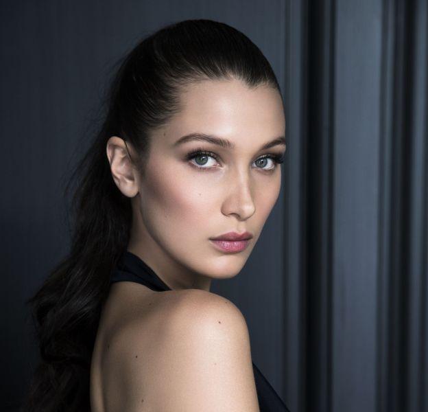 Bella Hadid devient officiellement ambassadrice make up pour Dior.