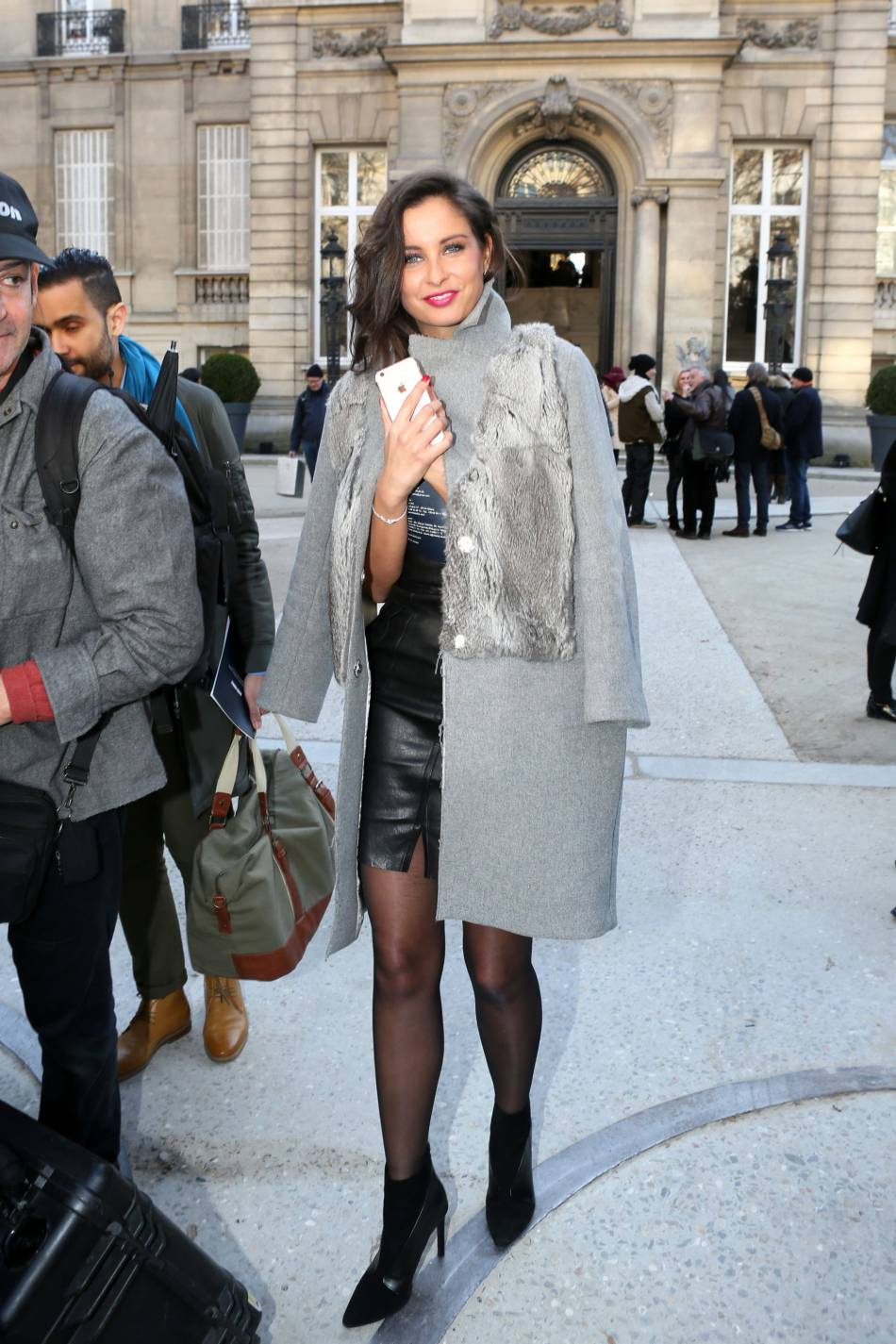 Malika Ménard, une passionnée de mode et de voyages.