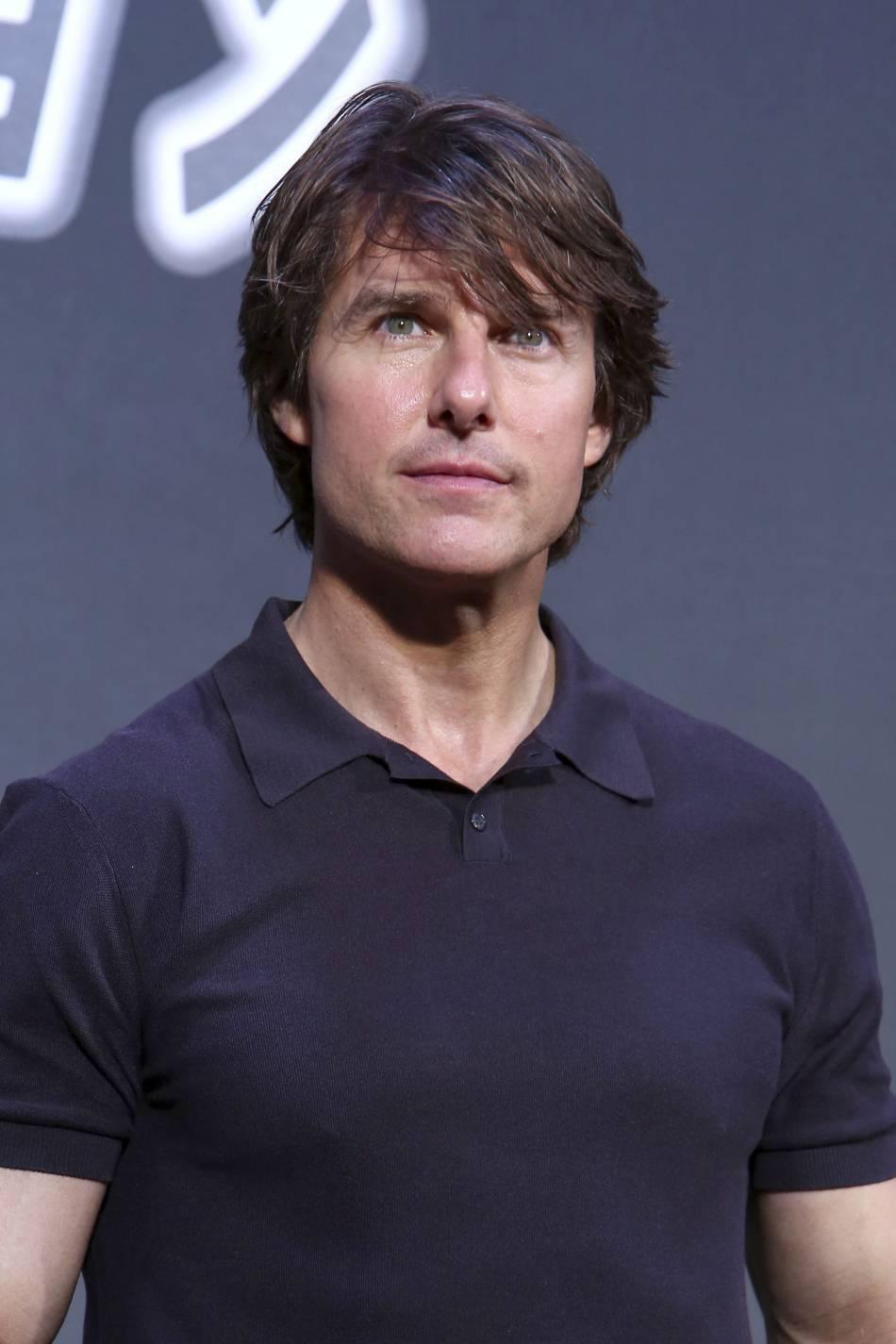 Depuis son divorce d'avec Katie Holmes, Tom Cruise enchaîne les films et n'a pas le temps de voir sa fille.