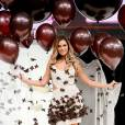 Clara Morgane au défilé du 20ème salon du chocolat en 2014.