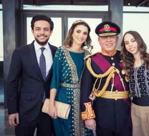 La famille royale de Jordanie lors de la cérémonie de la grande révolte arabe.