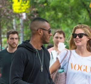 Candice Swanepoel aux côtés de Doutzen Kroes et de son mari à New York.