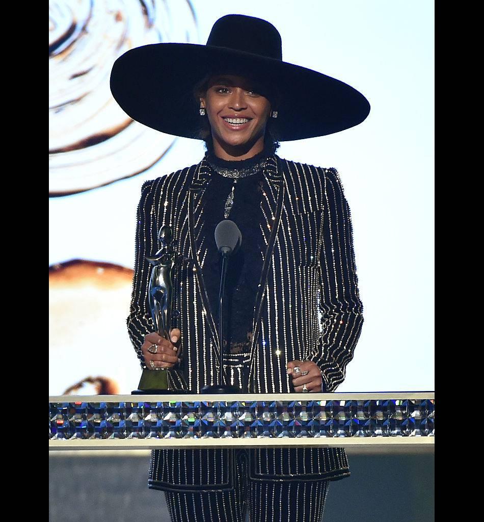 Beyoncé a reçu le prix d'icone Fashion de l'année.