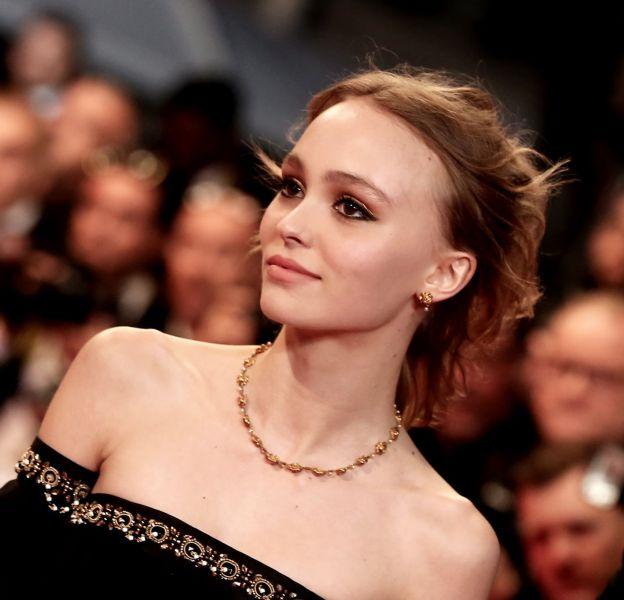 Lily-Rose Depp a été à son bal de promo pour célébrer la fin du lycée.