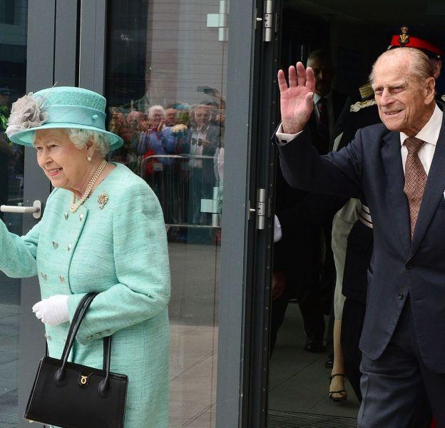 Les petits secrets du couple royal, Elizabeth II et prince Philip, ont été révélés par l'auteur Gyles Brandreth.