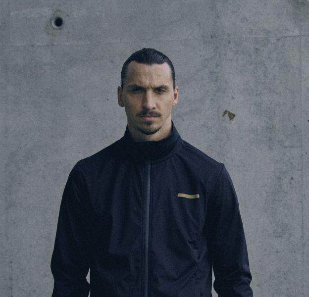 Zlatan porte des pièces de sa nouvelle collection A-Z.