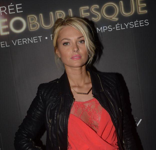 Caroline Receveur dévoile un séjour à Paris très sensuel sur Instagram.
